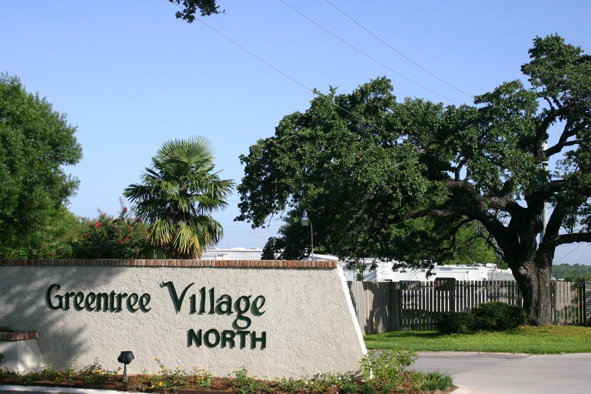 Front Entrance of Greentree Village North in San Antonio, TX